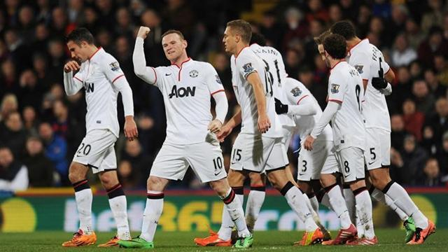 Premier League - Rooney and Van Persie give United victory