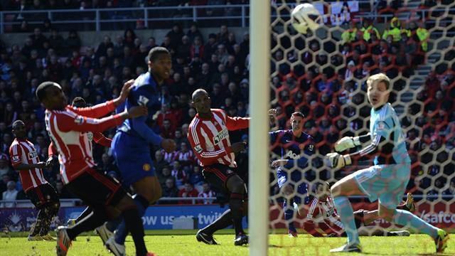 Premier League - Bramble own goal hands United win at Sunderland