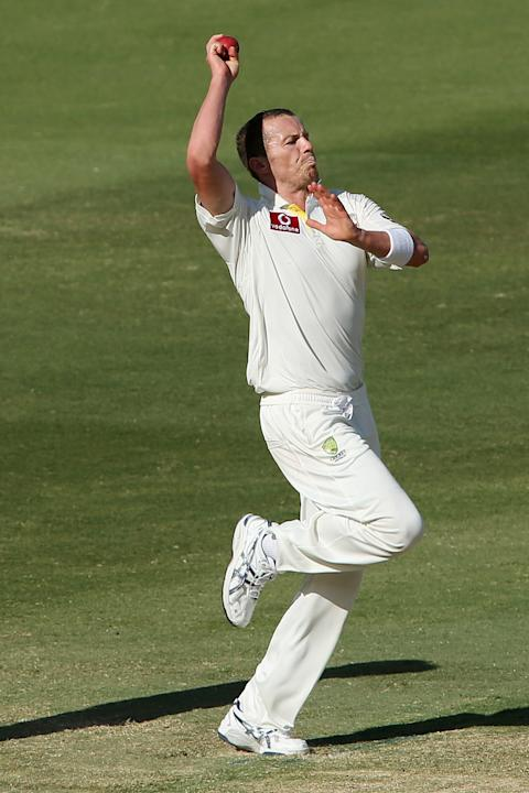 ADELAIDE, AUSTRALIA - NOVEMBER 26: Peter Siddle of Australia bowls during day five of the Second Test Match between Australia and South Africa at Adelaide Oval on November 26, 2012 in Adelaide, Austra