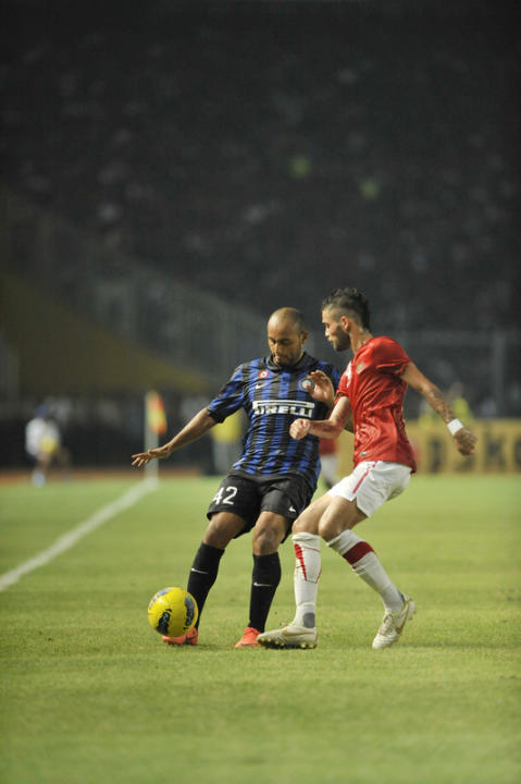 Inter Milan's Jonathan (L) Vies AFP/Getty Images