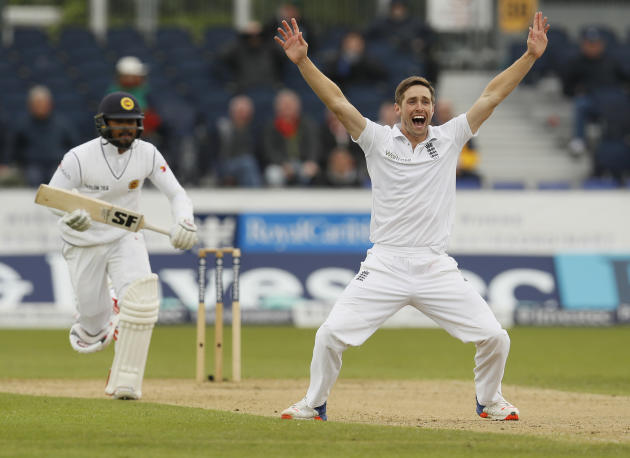 England's Chris Woakes appeals unsuccessfully for the wicket of Sri Lanka's Dinesh Chandimal