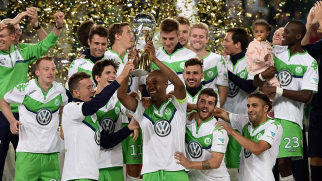 Wolfsburg stun Bayern Munich to win German Super Cup