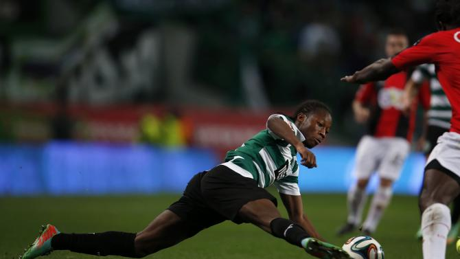 Sporting's Carlos Mane tries to control the ball during their Portuguese premier league soccer match against Olhanense in Lisbon