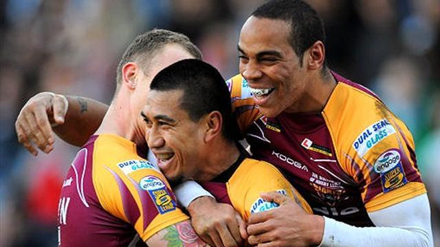 Fa'alogo signs for Newcastle Knights