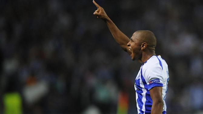 Champions League - Brahimi and Hulk shine as Porto and Zenit sweep through