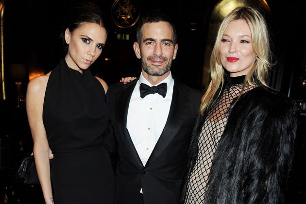 Victoria Beckham, Marc Jacobs und Kate Moss bei den British Fashion Awards (Bild: Getty Images)