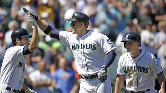 Braves lose 8th straight, Mariners win 7-3