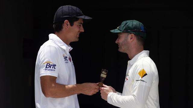 Ashes - Cagey Clarke gives nothing away on Ashes eve