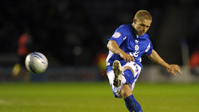 Championship - Millwall sign Waghorn