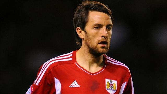 Championship - Skuse set for Ipswich switch