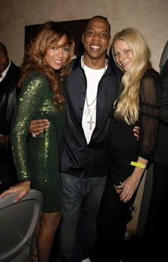 https://media.zenfs.com/en/blogs/ymusic-thats-really-week/gwynethbeyoncejay.getty_.Dave-M.-Benett.9.27.06.jpg