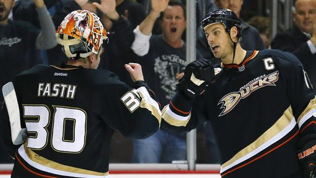 NHL - Ducks beat stars with five-goal surge