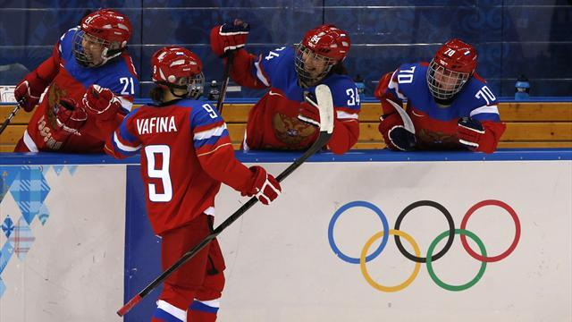 Ice Hockey - Vafina leaves it late to maintain Russian women's perfect start