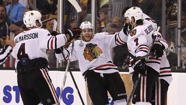 Ice Hockey - Kane gives Blackhawks 2-0 lead over Bruins