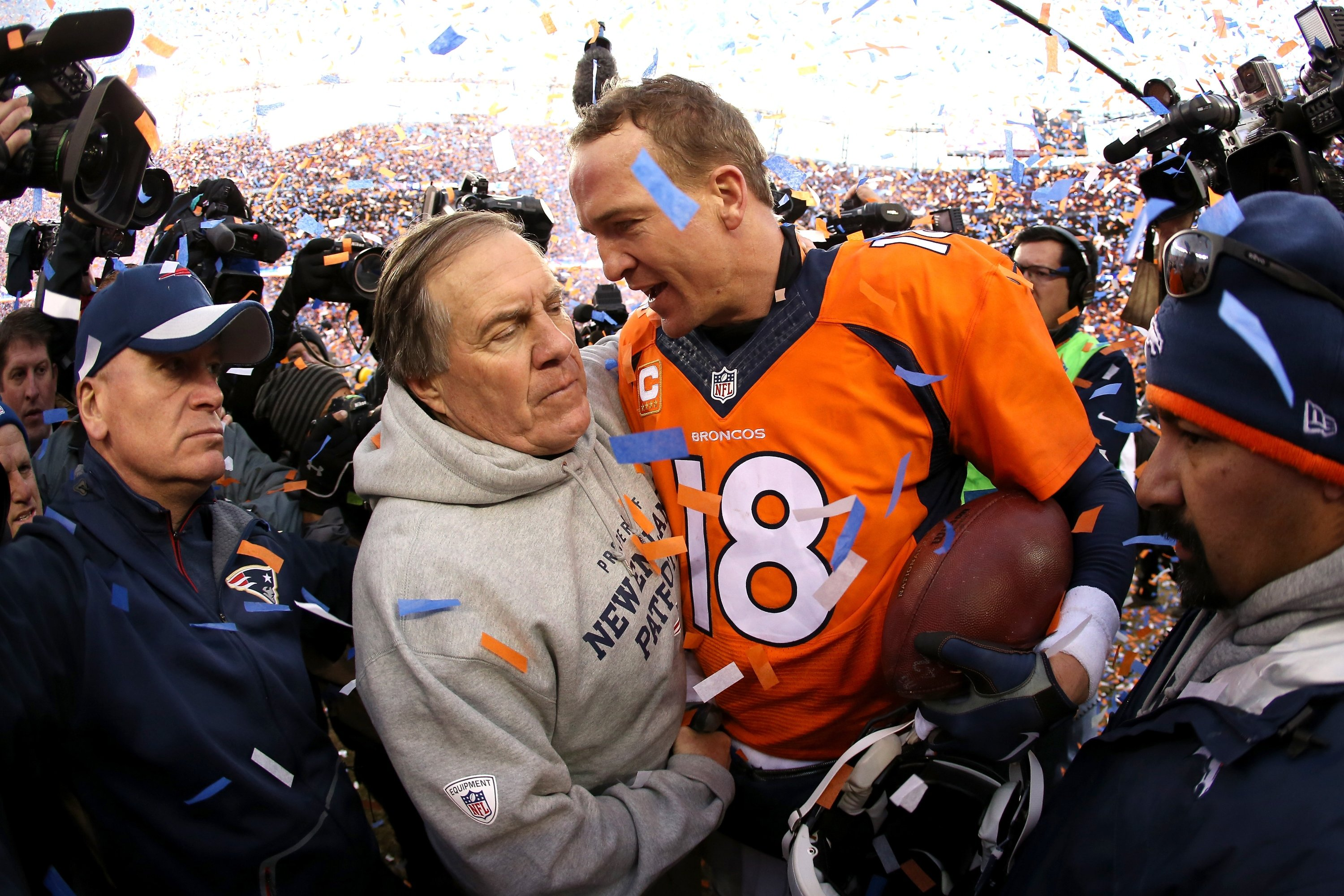 Boomer Esiason suggests Patriots should give Peyton Manning a call