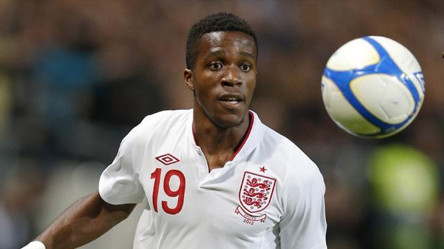 Premier League - United confirm Zaha deal