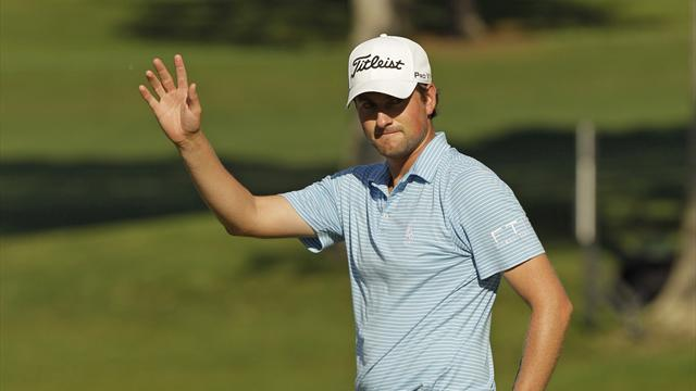 Golf - Simpson storms into clubhouse lead at The Barclays