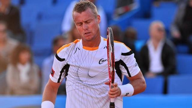 Tennis - Hewitt ousts Dimitrov at Queen's