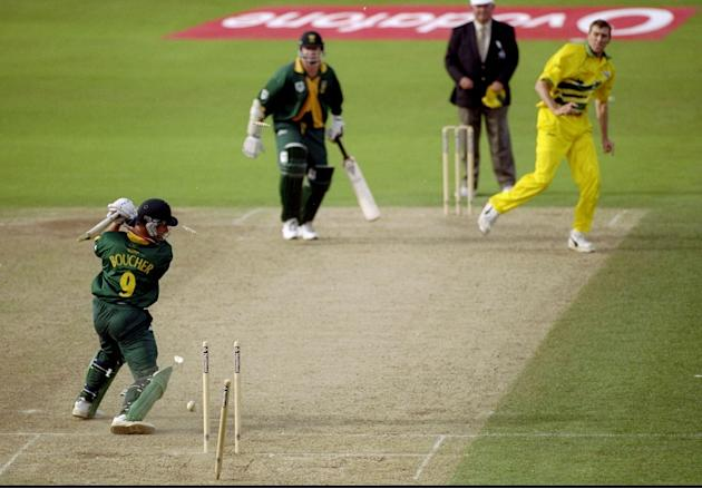 Mark Boucher bowled by Glenn McGrath