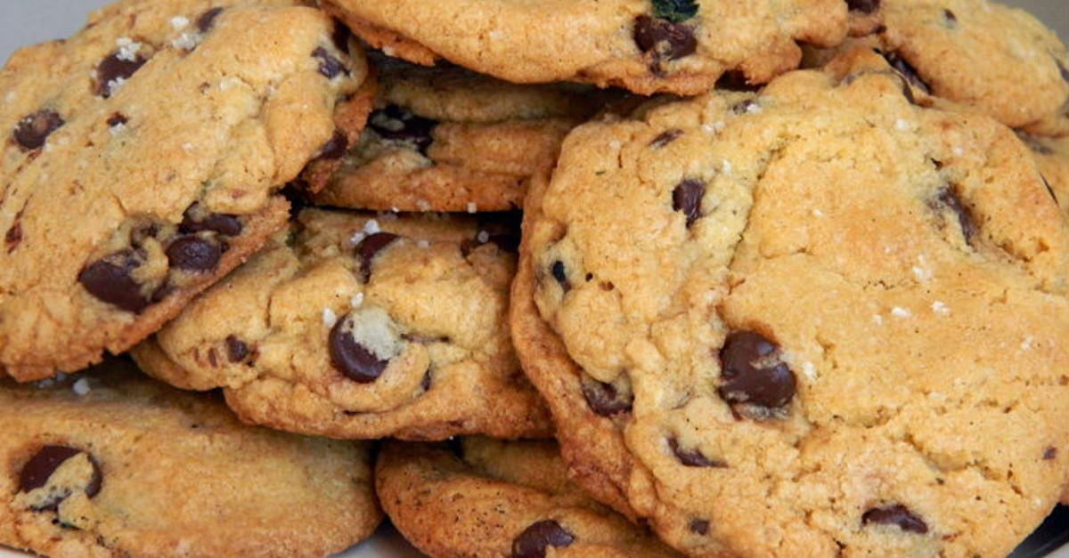 27 Incredible Ways To Enjoy Chocolate Chip Cookies