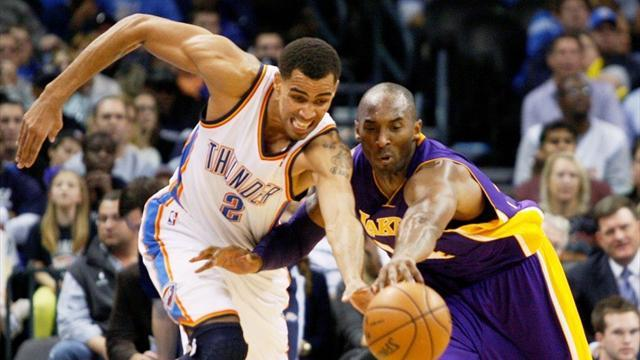 Basketball - Thunder rumble over Lakers for seven in a row
