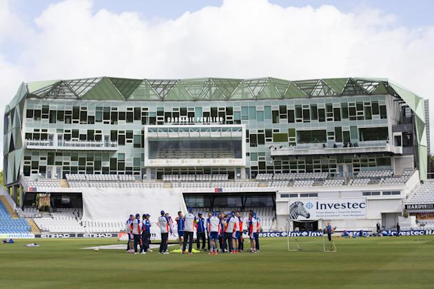 England players gather before nets the day before the second Test match between England and New Zealand at Headingley cricket ground in Leeds, England, Thursday, May 28, 2015.(AP Photo/Jon Super)
