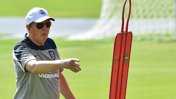 World Cup - New-look England and wizened Italy face jungle test