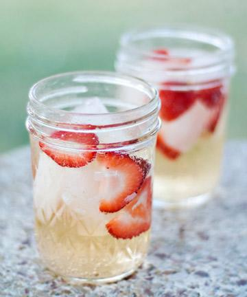 Serve Drinks in Mason Jars