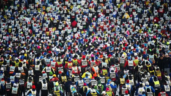 15.800 Skiers AFP/Getty Images