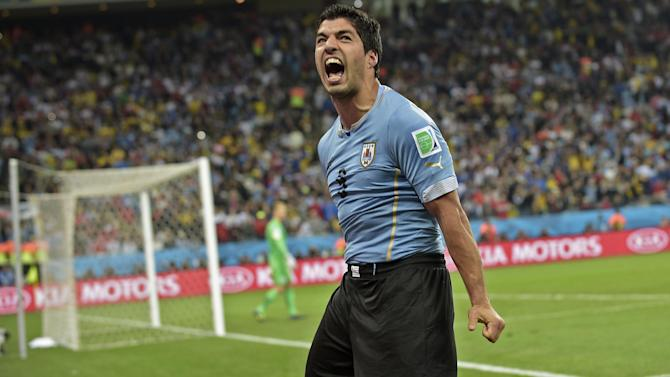 World Cup - Suarez: English media spurred me on, knee is perfect