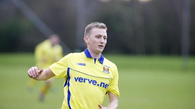 Former Hibernian and Celtic player Derek Riordan will not be joining Kilmarnock, despite training with the club