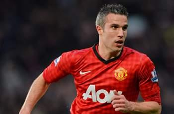Extra Time: Watch Manchester United striker Van Persie show off his freestyle skills