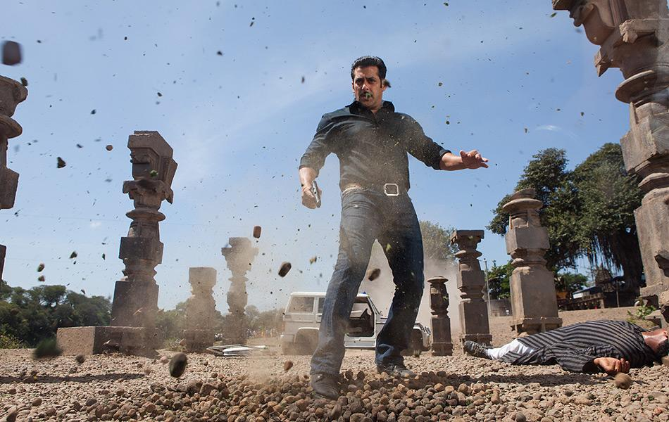 movie stills: Dabangg 2