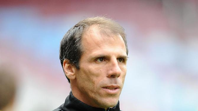 Watford manager Gianfranco Zola has signed Udinese striker Alex Geijo on a season-long loan