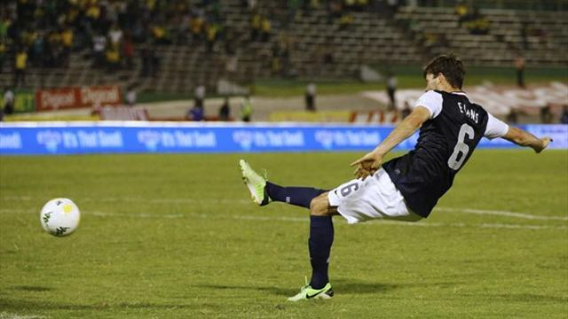 World Cup - Leaders US and Costa Rica win, Mexico held
