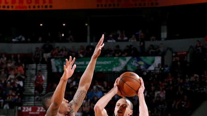 Curry has 47, but Warriors fall 119-117 to Blazers