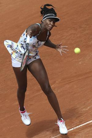 Venus Williams reaches 2nd round at French Open