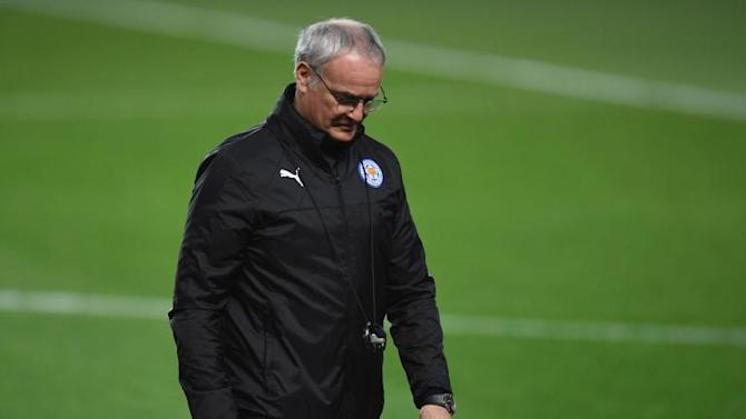 Claudio Ranieri says a last goodbye to his former Leicester City players