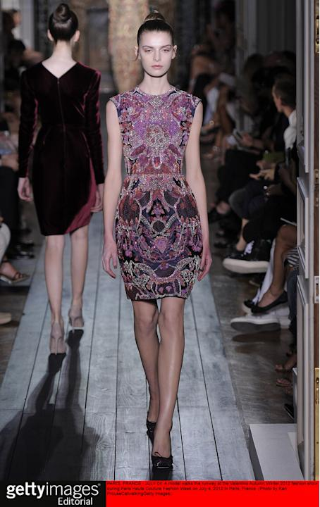 Valentino - Couture Autumn Winter 2012 Runway - Paris Haute Couture Fashion Week