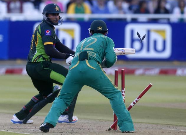 Pakistan's Nasir Jamshed is stumped by South Africa's Quinton de Kock during their second Twenty20 cricket match in Cape Town