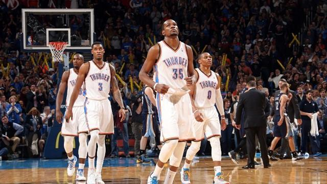 Basketball - Durant and Westbrook star in Thunder win