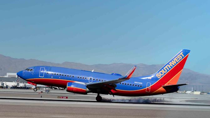 southwest airlines vs jetblue Best overall coach-class airline in north america: jetblue jetblue airways via  smartertravel  southwest airlines via smartertravel.
