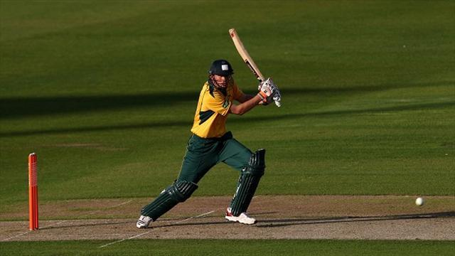 Cricket - Hales excels as Outlaws progress