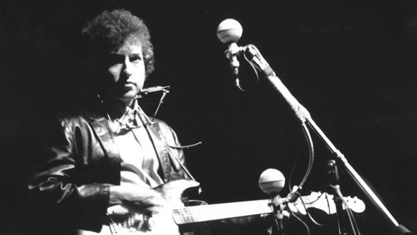 Bob Dylan's 1965 Newport Folk Festival Electric Guitar Going to Auction