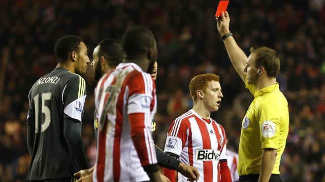 Premier League - Sunderland beat 10-man Stoke to climb out of drop zone