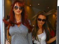 Amy Childs Advises Lauren Goodger To Quit TOWIE