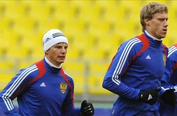 Arshavin visits Russia training session despite lack of call-up