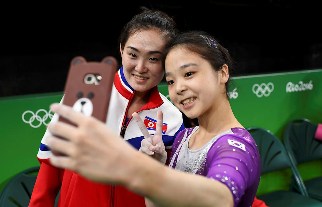 Rio 2016: The North and South Korea selfie