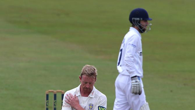 Cricket - LV=County Championship - Division One - Derbyshire v Durham - Day Two - County Ground