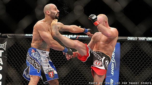 Tim Boetsch kicks Costa Philippou in the face during their fight at UFC 155. (Credit: Tracy Lee for Y! Sports)